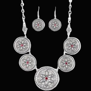 Written In the Star Lillies Red Necklace Set
